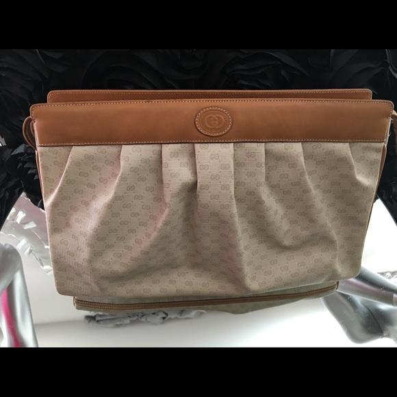 3153f4e9797c5f Gucci Handbags - EXTRA LARGE VINTAGE GUCCI CLUTCH 💜PRISTINE 👌🏽💜